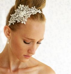 bridal lace headpiece - Silvery crown - Chantilly crystals and rhinestone silvery lace headpiece.