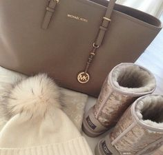Michael Kors OFF!>> Taupe Michael Kors jet set travel medium tote with uggs and winter beanie outfit Mk Handbags, Handbags Michael Kors, Michael Kors Jet Set, Brown Handbags, Travel Handbags, Nordstrom Boots, Michael Kors Outlet, Mk Bags, Tote Bags