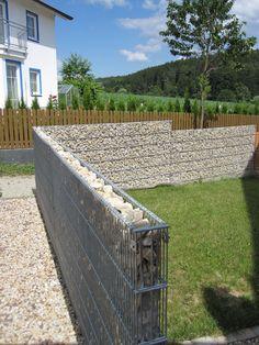 Gabion Wall Design, Exterior Wall Design, Rammed Earth Homes, Modern Fence Design, Garden Fence Panels, Garden Fire Pit, House Gate Design, House Plants Decor, Fence Landscaping