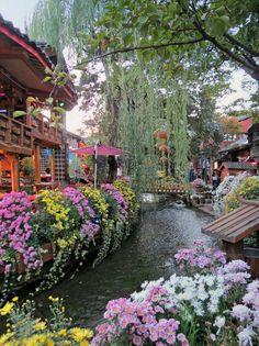 Lijiang old town, Yunnan / China (by Linda de Volder).