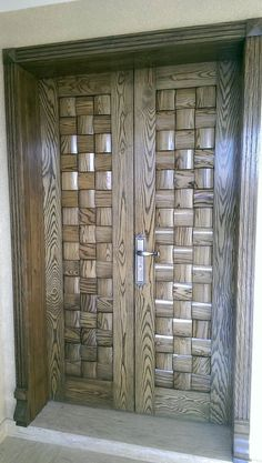 Then come and see our new content Wooden Main Door Design Ideas. Door Design Interior, Wood Front Doors, Door Gate Design, Wooden Main Door Design, Exterior Door Designs, Double Doors Interior, Main Gate Design