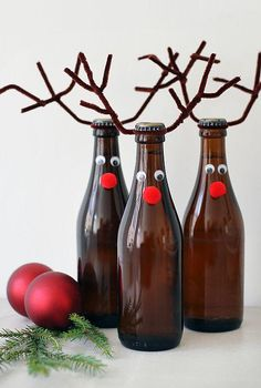 14 Cheap and easy last-minute Christmas DIY crafts for kids Cheap DIY Projects - Diy Christmas Decorations, Christmas Arts And Crafts, Holiday Crafts, Holiday Decorating, Christmas Projects, Christmas Beer, Simple Christmas, Cheap Christmas, Kids Christmas