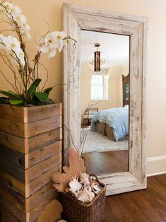Wood pallet planter - 2 of these painted by the front door?