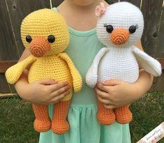 Mesmerizing Crochet an Amigurumi Rabbit Ideas. Lovely Crochet an Amigurumi Rabbit Ideas. Crochet Simple, Cute Crochet, Crochet Crafts, Crochet Projects, Crochet Teddy, Amigurumi Tutorial, Crochet Patterns Amigurumi, Crochet Dolls, Knitting Patterns