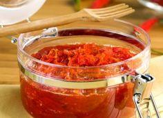 """A melhor sugestão de acompanhamento para o palito é a <a href=""""http://mdemulher.abril.com.br/culinaria/receitas/geleia-pimenta-487645.shtml"""" target=""""_blank"""">geleia de pimenta</a>, uma união entre o doce, salgado e o apimentado. Hum..."""