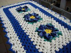 Quer barato? Tapete azul de flores por R$ 70,00 - Loja Enjoei - Melhor preço é no QueroBarato!