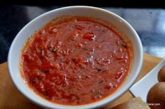 Tomato sauce sauce sauce - recipe for sausage sauce - WordPress Sitesi Jamie Oliver, Pizza, Romanian Food, Wordpress, Food Categories, Aioli, Sausage Recipes, Saveur, Pie