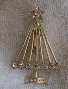 Gorgeous Vintage Diamente Rhinestone Christmas Tree Brooch Pin