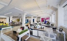 La z boy pilot space with big table by turnstone and cobi for Design strategy firms nyc