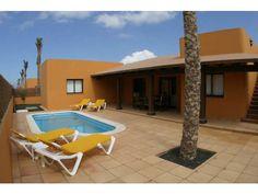 Villas Papagayo - 3 Bed Villa for rent in Corralejo Fuerteventura sleeps up to 6 from £852 / €1015 a week