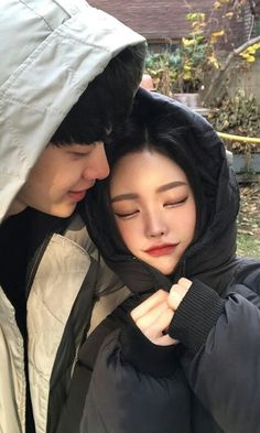 Find images and videos about girl, cute and boy on We Heart It - the app to get lost in what you love. Ulzzang Couple, Ulzzang Boy, Korean Couple, Best Couple, Cute Korean, Korean Girl, Parejas Goals Tumblr, Couple Aesthetic, Aesthetic Korea