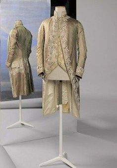 Coat and waistcoat (vest), Coat of striped green and pink Beijing silk with embroidery. Vest of embroidered cream silk taffeta. 18th Century Dress, 18th Century Costume, Beautiful Outfits, Cool Outfits, Mode Costume, Silk Taffeta, Period Outfit, Well Dressed Men, Fashion Plates