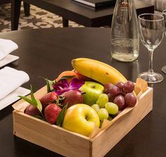 Elegant presentation of fruit with our Panibois wooden trays by @bocaresort