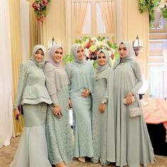 Elegant And Cozy Family Uniform For Wedding Party 17 Dress Muslim Modern, Kebaya Modern Dress, Muslim Dress, Kebaya Muslim, Muslim Hijab, Dress Brukat, Hijab Dress Party, Muslimah Wedding Dress, Hijab Wedding Dresses