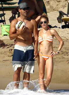 Eddie Cibrian and wife LeAnn Rimes showed off their summer bods once more in Newport Beach, Calif. on Aug. 12.    via  WWW.GLOOCE.COM