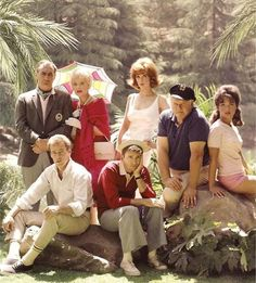 Gilligans Island ~ is there any kid of the 60's & 70's who doesn't know the TV lead in song to this show?