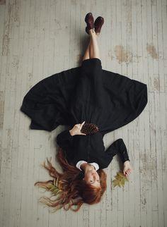 Black Linen Dress, Long sleeve, White Collar, Women Fashion, Hand Made Clothing, Peter Pan Collar by SondeflorShop on Etsy https://www.etsy.com/listing/251670632/black-linen-dress-long-sleeve-white