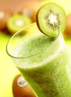 kiwi mellon smoothy for St. Patrick's Day