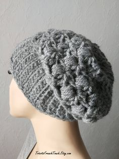 85c11dd1d47 Bonnet slouch en laine grise fait main au crochet.Bonnet slouchy accessoire  de mode hiver
