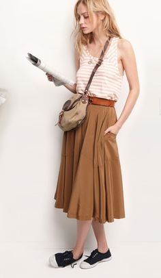 (repin-- this skirt could look so stuffy and I love how it's dressed it down) Nice outfit for warm days