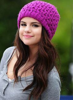 Uploaded by Forever love. Find images and videos about fashion, cute and style on We Heart It - the app to get lost in what you love. Selena Gomez Adidas, Selena Gomez Fotos, Selena Gomez Photoshoot, Selena Gomez Cute, Selena Gomez Outfits, Selena Gomez Pictures, Selena Gomez Style, Alex Russo, Selena Gomz