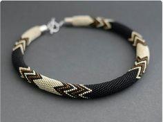 Made to order Bead Crochet Necklace Facet от Chudibeads на Etsy Bead Jewellery, Seed Bead Jewelry, Beaded Jewelry, Beaded Bracelets, Bead Crochet Patterns, Bead Crochet Rope, Beading Patterns, Crochet Beaded Necklace, Crochet Bracelet