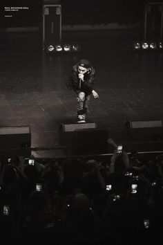 150920 ALL FORCE ONE on stage #방탄소년단 #민윤기 #윤기 #SUGA #슈가 @BTS_twt  http://cfile23.uf.tistory.com/original/2509204D55FEAA641DE6FB…