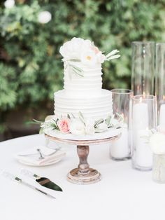 Wedding Cake Inspiration for 2017...  #wedding #weddings #bride #groom #dress #cake #bouquet  #weddingcake  www.hotchocolates.co.uk www.blog.hotchocolates.co.uk www.evententertainmenthire.co.uk