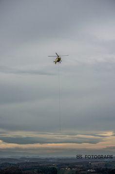 Rettungshubschraubers ÖAMTC mit Bergungsseil | Flickr - Fotosharing!