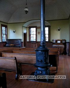 all about Oysterville, Wash.   ... stove, franklin stove, church interior, oysterville church, washington