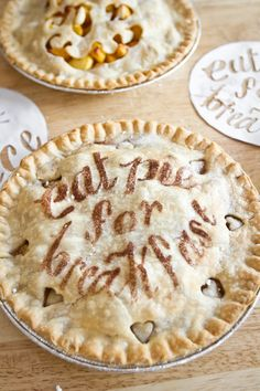 The Font-tastic Pie Project  via Frites & Fries...you can change the cut-out letters to say Merry Christmas!