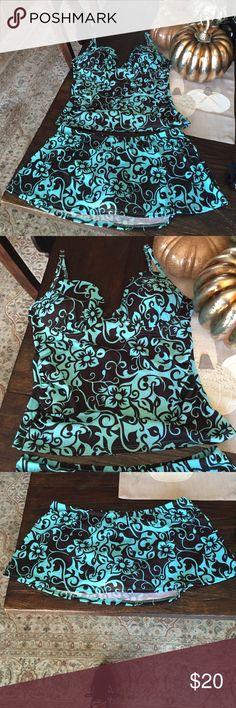 Super cute Tankini Turquoise and brown tankini NWOT size 12 Newport News Swim Bikinis