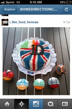 One Direction Cakes are adorable
