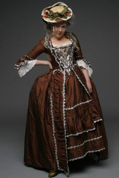18th century costume reproduction  Nordstjernan - 1700-tal