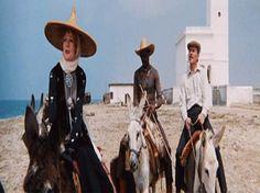 Localizaciones de Películas en Almería y alrededores parte 2: Travels with My Aunt (Viajes con mi tía) / Maggie Smith, Aldo Sambrell, Louis Gossett, Jr. y Alec McCowen / Iglesia de Las Salinas - Cabo de Gata / Comparison 1972 - 2013.