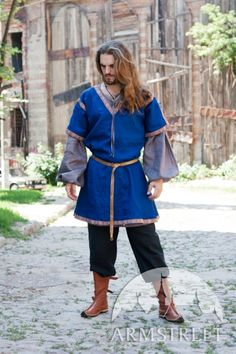 Classic medieval short-sleeved tunic garb
