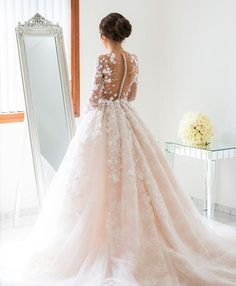 Good morning gorgeous! Dress @steven_khalil @simon_gorges . . . . . . For wedding inspiration follow @WeddingDress_Bride❤️ @Wedding_BridetoBride❤️ @BridetoBride❤️ .. . . . . . . . #weddingdress #dreamwedding #weddingday #fairytalewedding #weddingplanning #weddinginspiration #weddingdecor #luxurywedding #bridetobe #engaged #proposal #honeymoon #dreamhoneymoon #bridesmaidsgoals #luxury #weddinggoals #bridetobe #casamentodeluxo #noivado #noivadodia #howheasked #engagementring