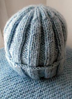 """Ensemble bonnet et snood """"LUCAS"""" tricoté à la main en laine bleu ciel : Mode garçons par misty-tuss-tricote"""
