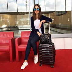 Women's Outfits with Outfits to Wear with Vans Shoes Travel Chic, Travel Style, Cool Outfits, Casual Outfits, Fashion Outfits, Airplane Outfits, Outfit Trends, Airport Style, Airport Outfits