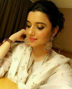 Gur..... Punjabi Girls, Punjabi Suits, Indian Fashion, Love Fashion, Nimrat Khaira, Punjabi Models, Ethnic Outfits, Cute Girl Pic, Beauty Shots