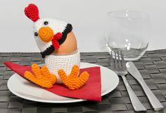 CuteDutch: Eierdop Kip  Chicken egg cup - free pattern; wish i had the time