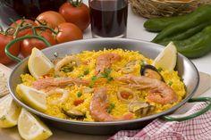 Paella cu creveti si fructe de mare - un simbol pentru bucateria spaniola