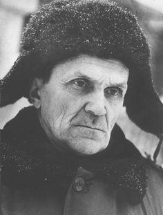 Varlam Tichonovič Šalamov (Варлам Тихонович Шаламов; 1907-1982) - советский писатель, поэт и журналист. Как политический заключенный провел долгие годы в ГУЛАГе.