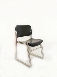 Sillas apilables diseño David Rowland, años 60 - VOM Gallery