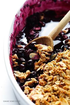 This Easy Blueberry Crisp recipe is simple to make, naturally sweetened with fruit and maple syrup, and topped with a (naturally gluten-free) delicious almond and oatmeal crisp. Gluten Free Desserts, Vegan Desserts, Delicious Desserts, Dessert Recipes, Yummy Food, Sweet Desserts, Blueberry Recipes, Almond Recipes, Clean Eating Recipes