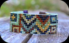 Creación artesanal de bisutería en rocaille y creacion de bolsos en tela