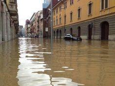 Milano sott'acqua - Guarda la galleria fotografica: http://www3.varesenews.it/gallerie/index.php?id=19036&img=1