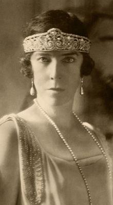 Queen Elizabeth of the Belgians in Cartier tiara