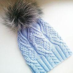 WEBSTA @ fluffythings_knit - Связалась шапочка небесно-голубого цвета из 100% итальянского мериноса. Довольно эластичная, подойдет на голову 54-58. Помпон из песца съемный ❌Продана❌...#knitting #knit #knitsforkids #knitstagram #instaknit #best_knitters #vscoknit #i_loveknitting #явяжу #люблювязать #вязание #вязаниеспицами #вязаниеназаказ #вязанаяшапка #шапка #шапкаспицами #шапкаспомпоном #вяжуназаказ
