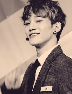 Is there an emoticon to express drooling? Because EXO Chen OMG SO HOT I JUST DIED. gif